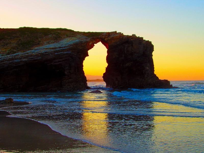 la de las playa catedrales
